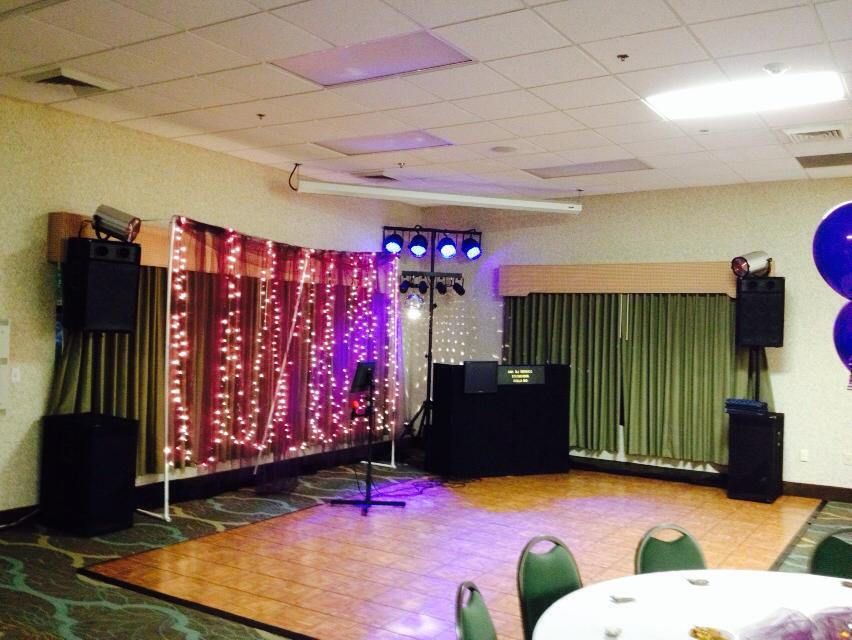 Wedding and Karaoke, Comfort suites